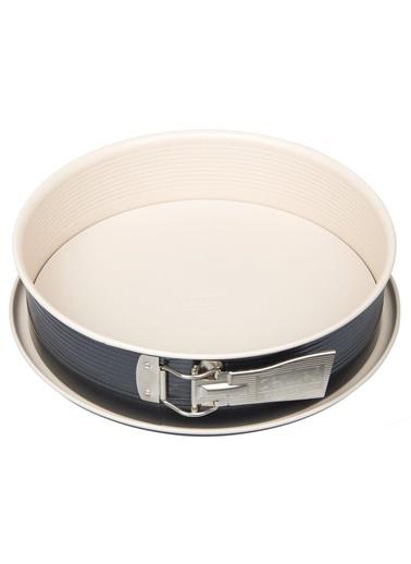 Zenker Zenker 7812 Creme Noir Teflon Kaplama KelepÇeli Krem Kek Kalıbı 28 cm Renkli